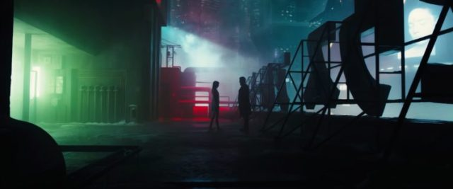 571710-men-women-Ryan_Gosling-Bladerunner-Blade_Runner_2049-movies-748x313